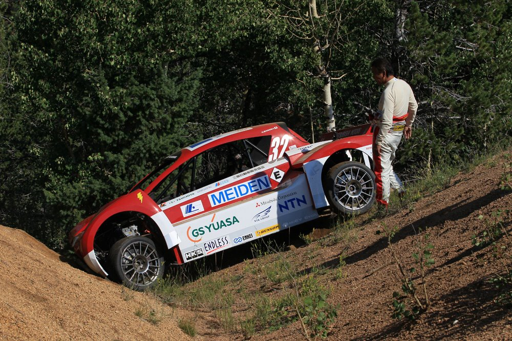 mitsubishi-i-miev-evolution-crashes-during-pikes-peak-practice_100398446_l